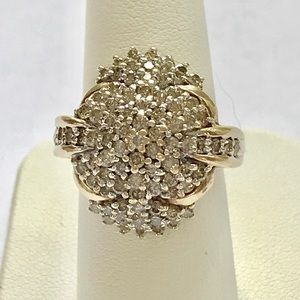 Jewelry - 1.05 ctw diamond ring in 10 kt yellow gold